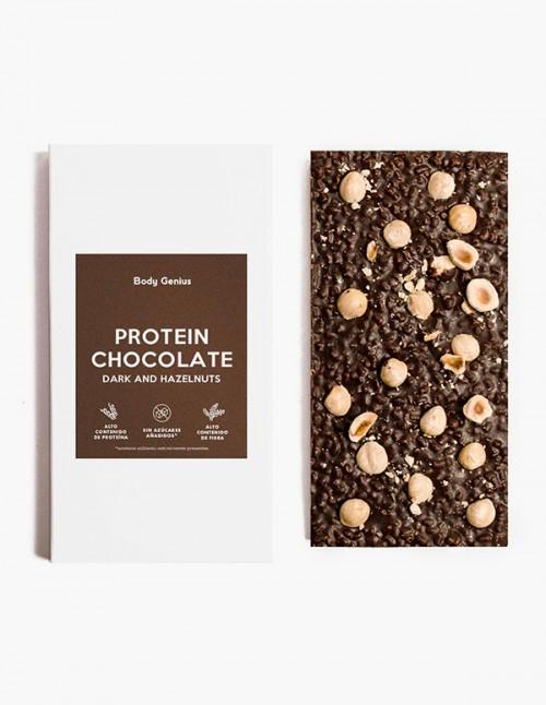 Chocolate proteico con avellanas