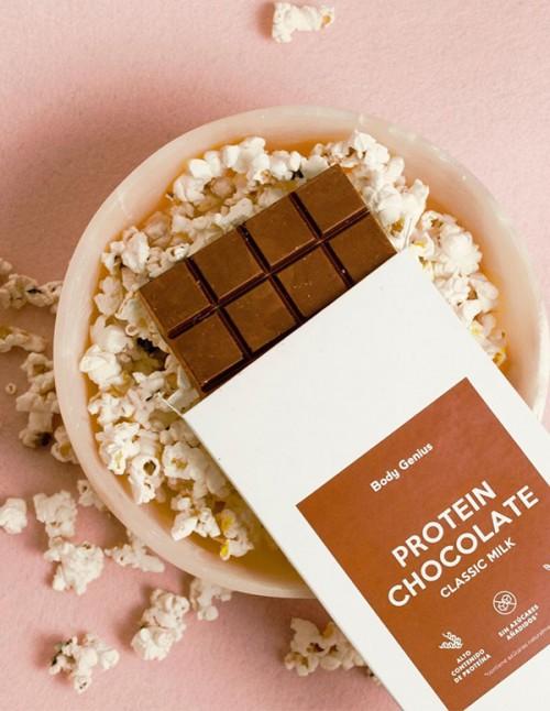 Tablette de chocolat au lait protéiné